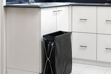 Best Kitchen Trash Can Reviews and Buying Guide